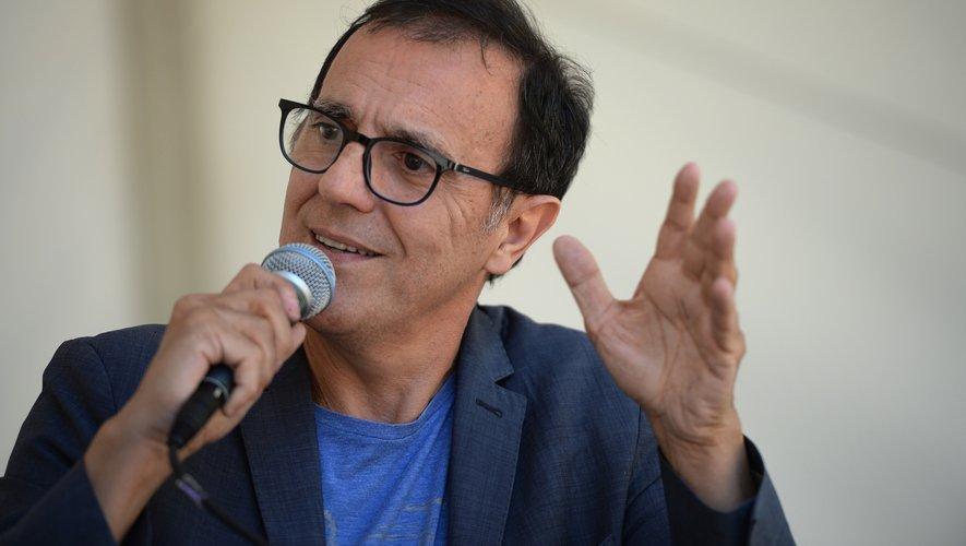 """Thierry Beccaro va abandonner la présentation du populaire jeu télévisé """"Motus"""", qu'il anime depuis 29 ans sur France 2"""