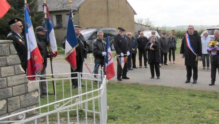 Marseillaise à capella, chant des Partisans et minute de silence ont ravivé la mémoire de chacun.