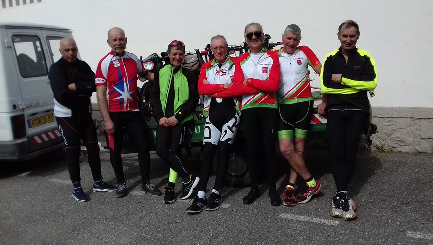 Les cyclistes du Vélo Club naucellois.
