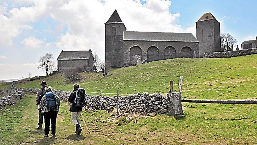 Visiter l'église d'Aubrac.