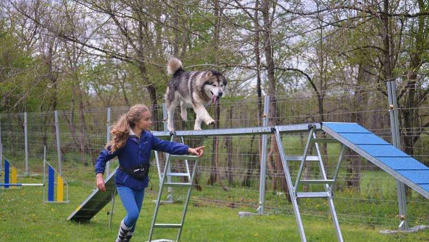 Jéhendre et son chien Ice Flower.