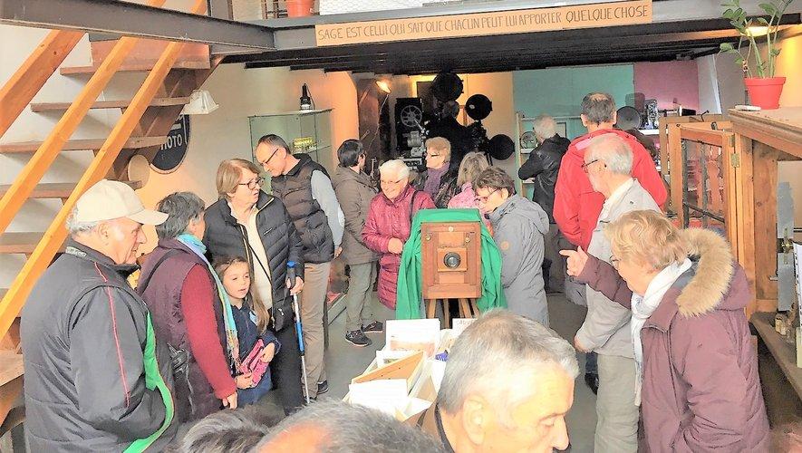 Les visiteurs ont apprécié cette exposition.