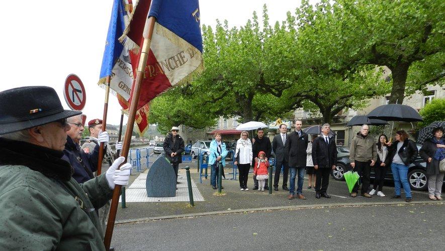 La cérémonie, mercredi, au monument du Saint-Jean.