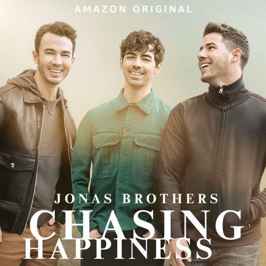 """""""Chasing Happiness"""", le documentaire retraçant la carrière des Jonas Brothers sera diffusé le 4 juin."""