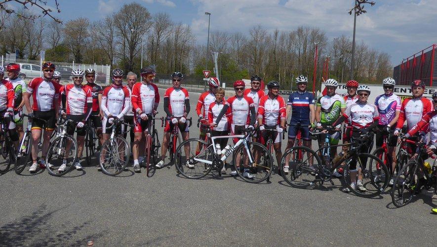 Les licenciés de l'Entente Cycliste, organisateurs de cette cyclosportive.