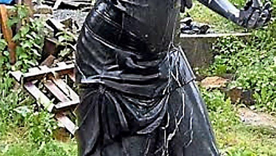 « L'Ange de liberté », exposé à Rodez en 2016, première pièce monumentalede Rémy Teulier. Un ange qui a fait décoller la carrière du sculpteur montbazinois.