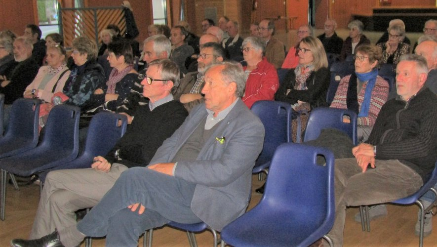 Les nombreuses questions de l'assistance ont alimentéle débat d'après conférence.