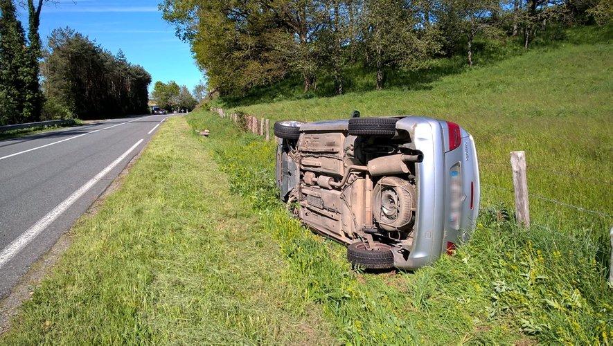 Spectaculaire accident ce mardi matin entre Rieupeyroux et Compolibat.