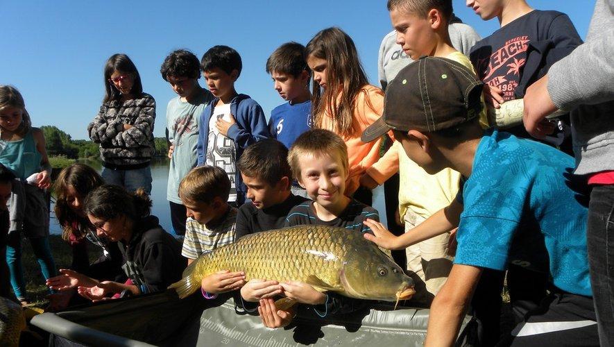 Des ateliers pêche sur le Naucellois sont proposés.