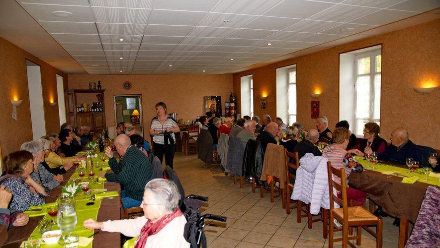 Martine et Jean-Yves ont accueilli le club de la Vallée des Dazes pour leur traditionnel repas de printemps.