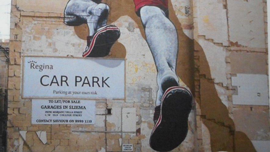 L'artiste MTO, avec son hyperréalisme, va produire une œuvre sur l'avenue du 10-Août.