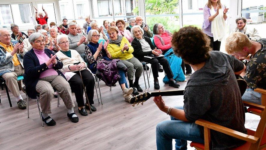 Les résidants du Foyer Soleil ont pu profiter d'un concert.