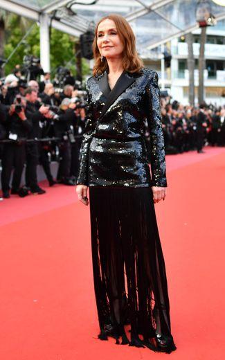 """L'Américain Ira Sachs a présenté lundi soir à Cannes """"Frankie"""", l'histoire d'une actrice, incarnée par Isabelle Huppert, qui se sait condamnée par la maladie et réunit des proches pour un dernier séjour de vacances."""