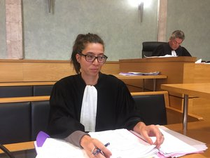 Me Stéphanie Boutaric, avocate de la partie civile et, derrière elle, Bernard Salvador, avocat général.