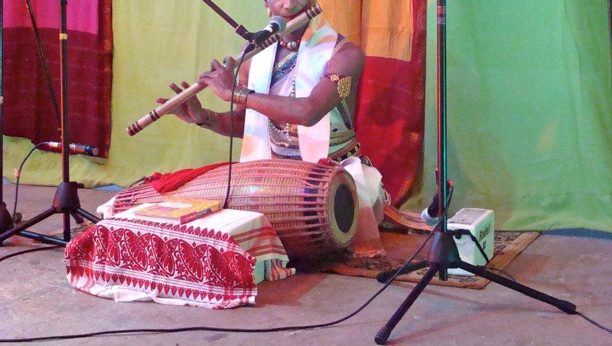 Niranjan Saikia à la flûte Bansuri