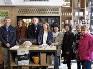 Les élus et les commerçants ont présenté le projet.