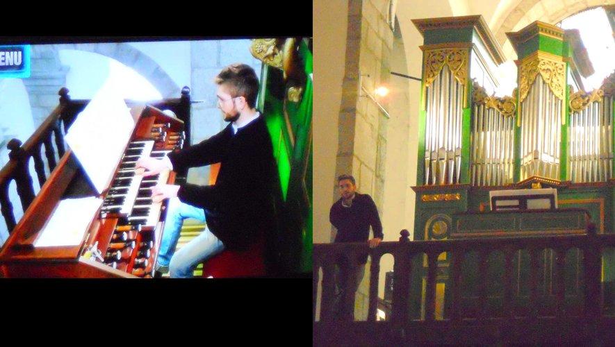 L'artiste compositeur devant l'orgue et retransmis sur écran.