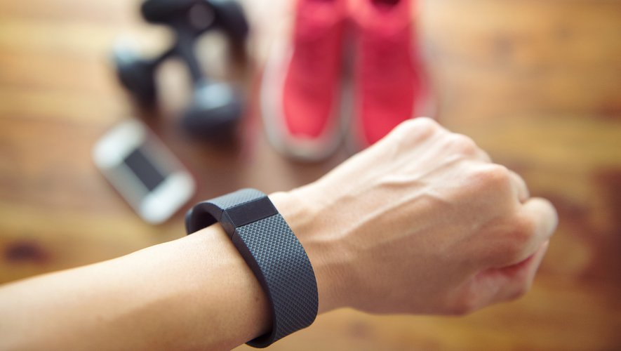 GENERIC: Activity Tracker, hand, sport, main, sportif, running