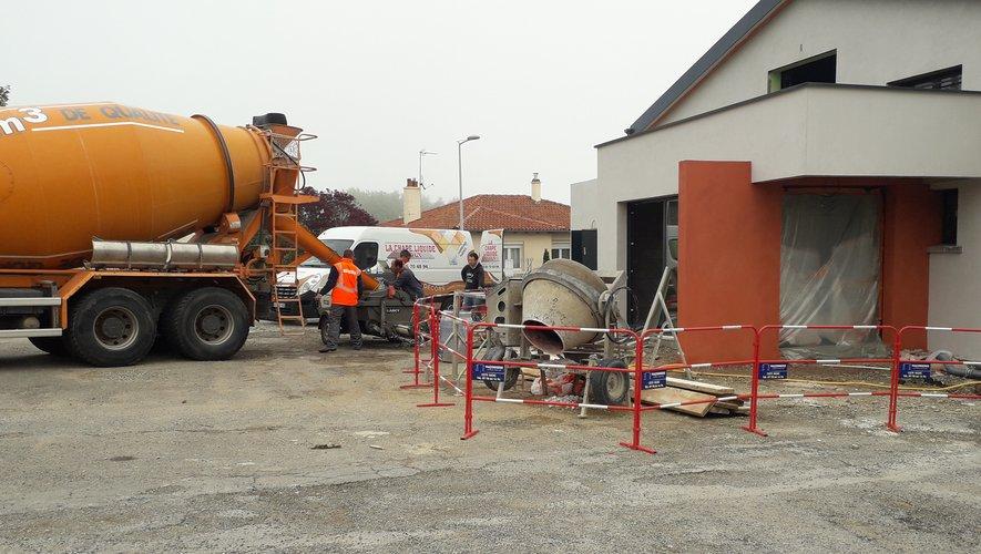 Le chantier suit son cours,que ce soit à l'extérieur comme à l'intérieur du bâtiment.