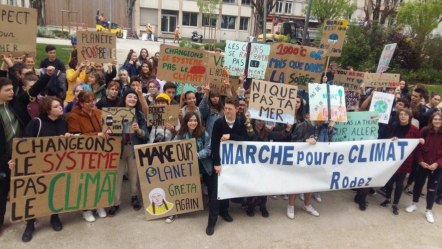 Bien qu'ils soient moins nombreux que le 15 mars, les étudiants semblent toujours aussi déterminés à agir pour le climat.