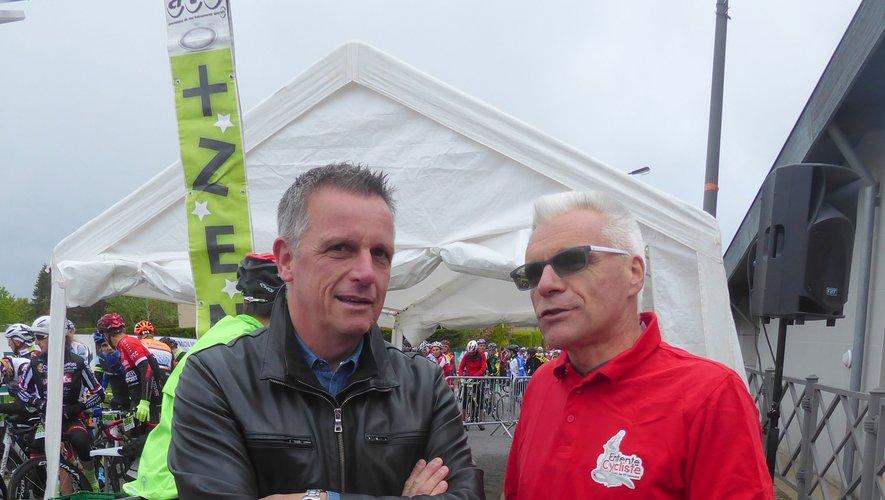 Le maire Jean-Philippe Sadoul et le président de l'Entente Cycliste Franck Pinot, prêts à libérer les 446 engagés.