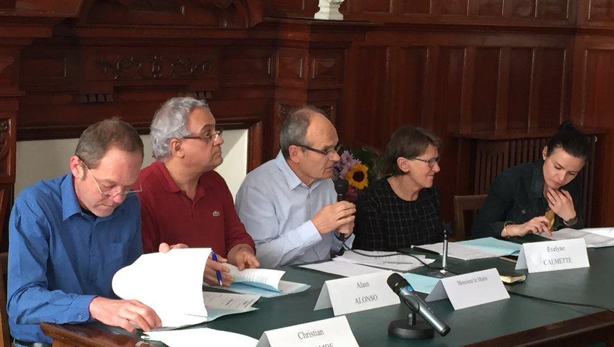 Certains élus de la majorité se sont désolidarisés de leur groupe en s'abstenant sur le vote de la réouverture de la décharge de Montplaisir.