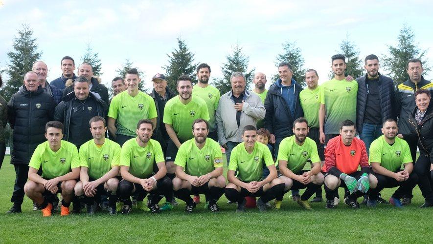 L'équipe et ses sponsors.