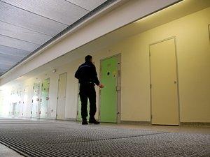 Condamné à 25 ans  de réclusion criminelle  en mars dernier, le trentenaire a semé la panique à la maison d'arrêt de Druelle quelques jours après son arrivée.