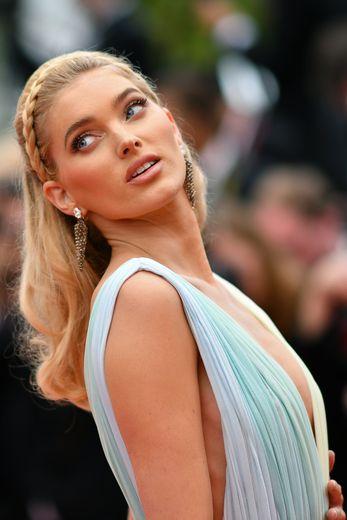 La Suédoise Elsa Hosk au festival de Cannes, le 19 mai 2019.