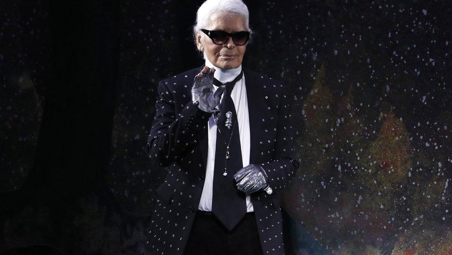 Les maisons Chanel, Fendi, et Karl Lagerfeld organiseront un événement en mémoire du grand couturier allemand Karl Lagerfeld le 20 juin prochain au Grand Palais.