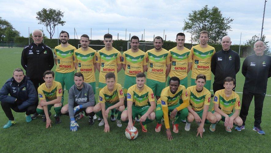 L'équipe II samedi dernieravant le coup d'envoicontre St-Alban/Aucamville.