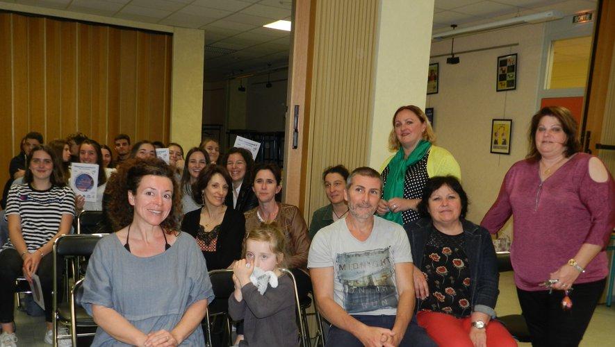Une réception était organisée par Frédérique Croux pour marquer un voyage à l'étranger.