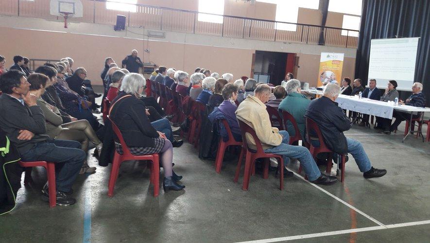 Un public nombreux à l'écoute des bilans.