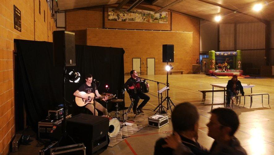 Apéritif concert organisé par les Poussins Gaulois.