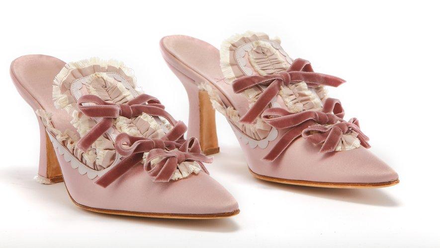 """Les souliers Antoinetta créés par Manolo Blahnik pour le film """"Marie Antoinette"""" seront exposés à la Wallace Collection."""