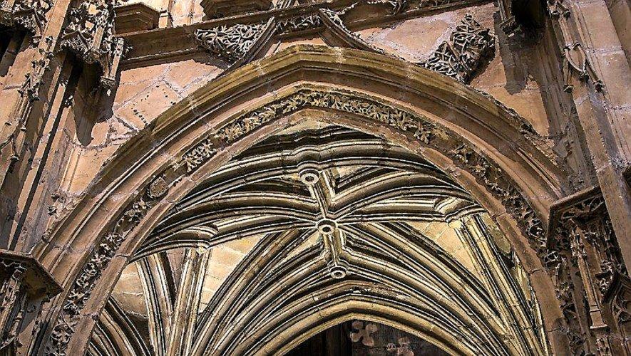 Entre la nef et le chœur…