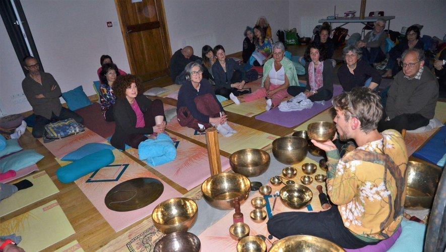Ateliers et concerts tibétains à Mondalazac : une belle découverte musicale