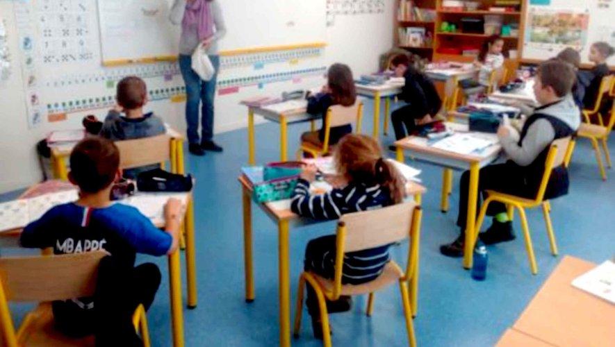 Les des élèves de la grande section aux CM de l'école primaire privée Sainte-Marie apprennent l'anglais.
