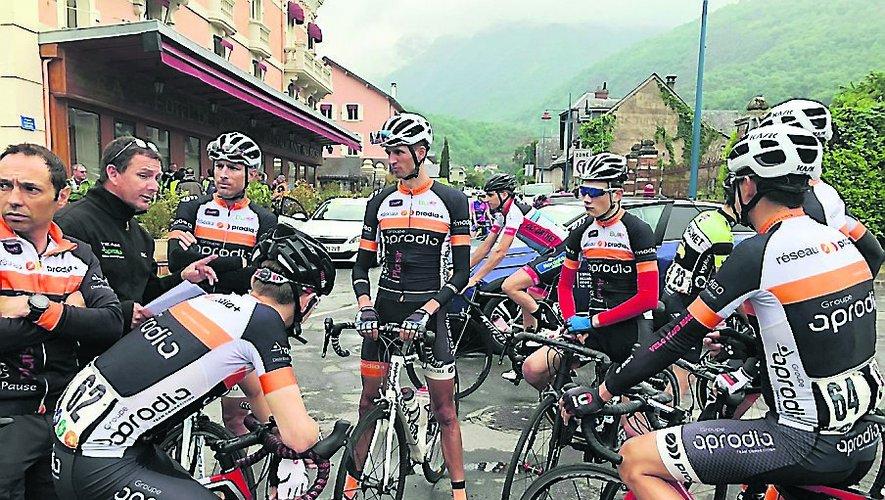 La team Aprodia participe aux grandes courses de la région.