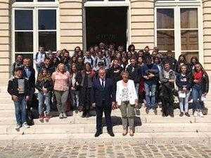 Une visite de l'Assemblée nationale et l'ouverture exceptionnelle aux élèves de l'hôtel de Lassay par le président Richard Ferrand et Anne Blanc, députée.