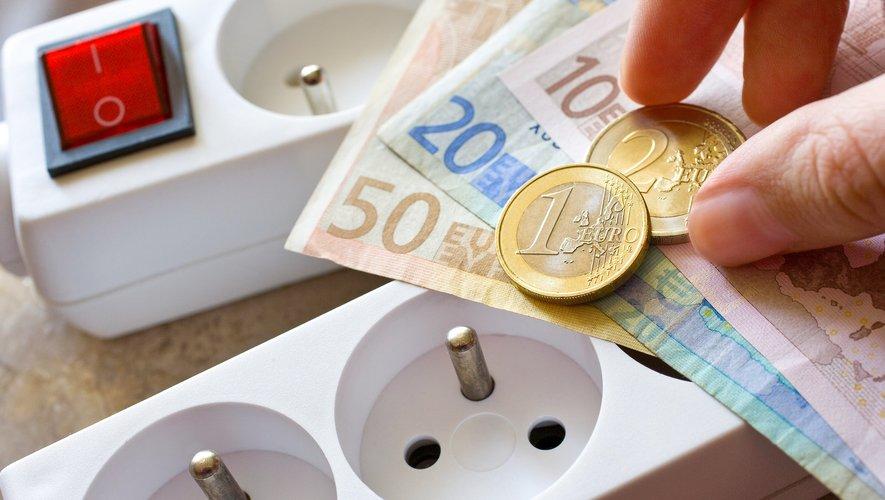La hausse de près de 6% des tarifs réglementés de l'électricité est entrée en vigueur samedi.