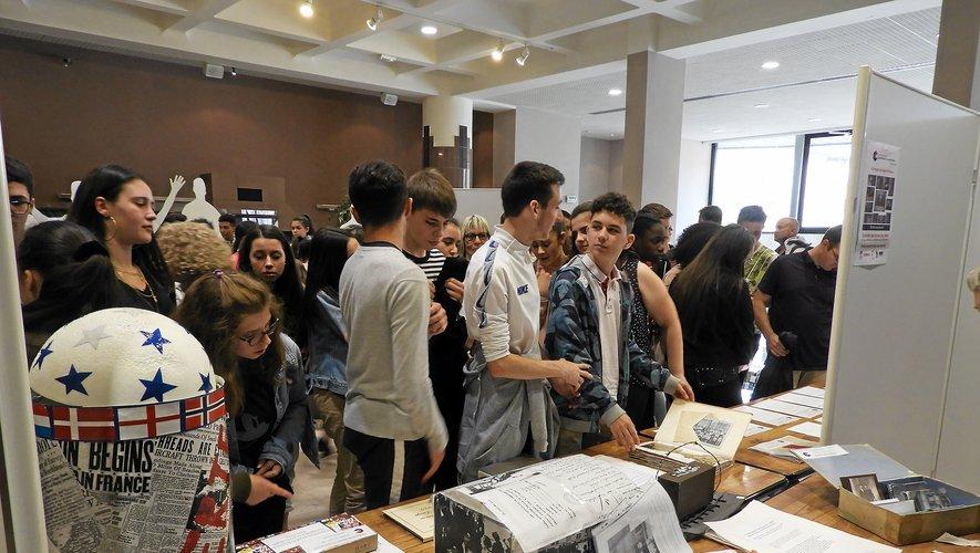 L'exposition se déroule du 3 juin au 14 juin à l'Hôtel de Ville.