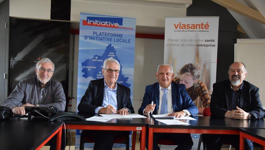 Jean Thomas, président d'Aveyron initiative et Denis Saules, directeur général de Via Santé, n'ont pas manqué de se réjouir de ce partenariat à l'heure de la signature.