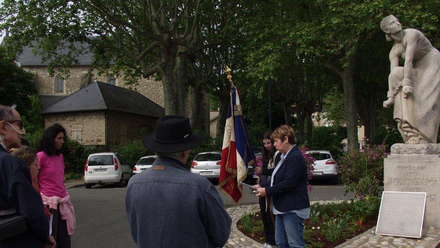 L'hommage a été rendu au monument de la place St-Jean.