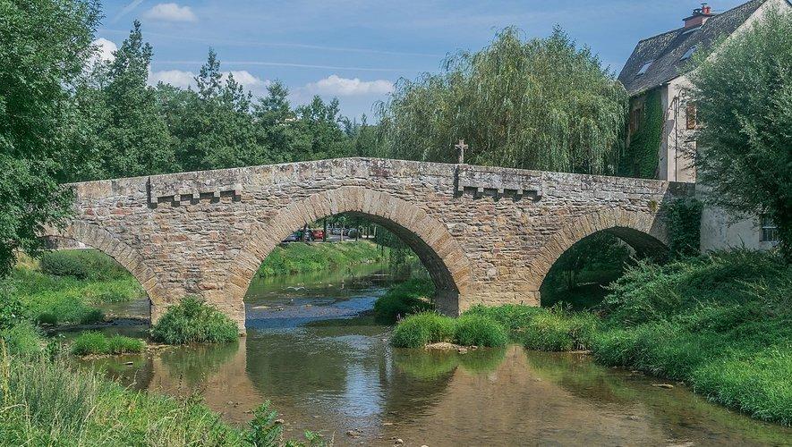 Le pont romain du quartier de Layoule.