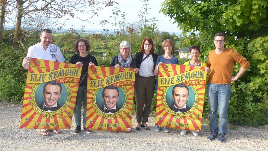 Les membres du bureau du comité d'animation de Luc lors de la conférence de presse.