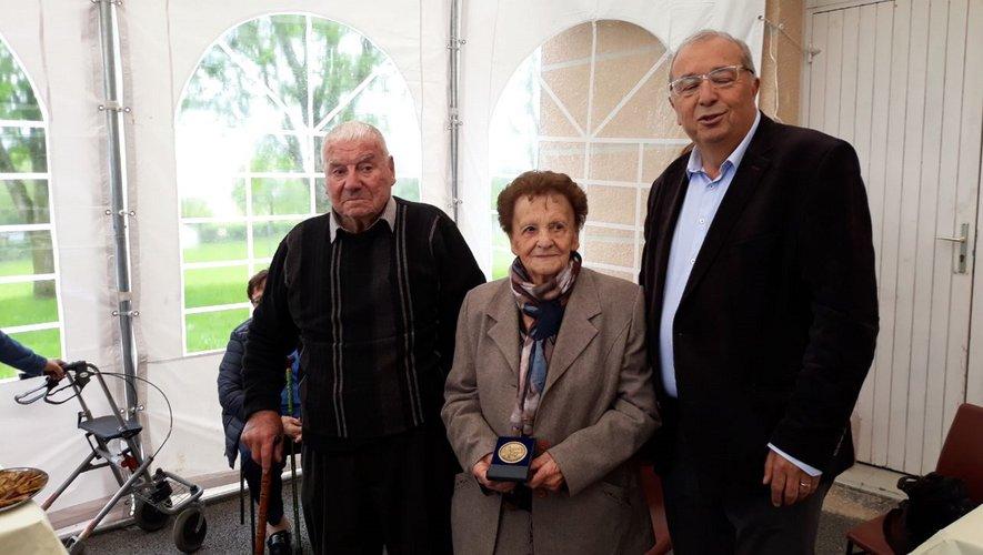 D'une pierre deux coups : 70 ans de mariage et médaille communale pour les époux Daudé