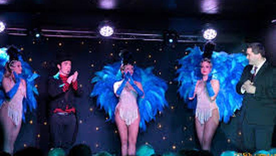 Une belle prestation des artistes : danseuses, chanteuses, magicien…