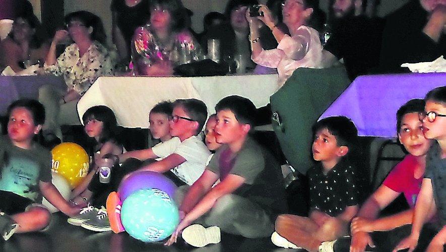 La fête fut belle samedi soir à la salle des fêtes de Sanvensa sur fond de cabaret dans une ambiance signée ASCBR./ DDM.