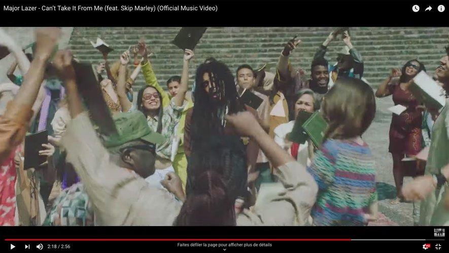 "Major Lazer dévoile le clip de ""Can't Take It From Me"" ft. Skip Marley."